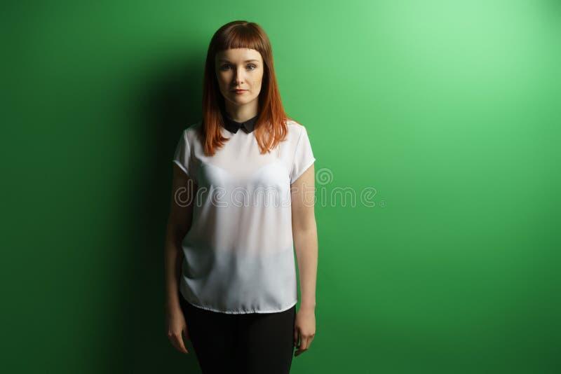 Mädchenstudioporträt stockfotografie