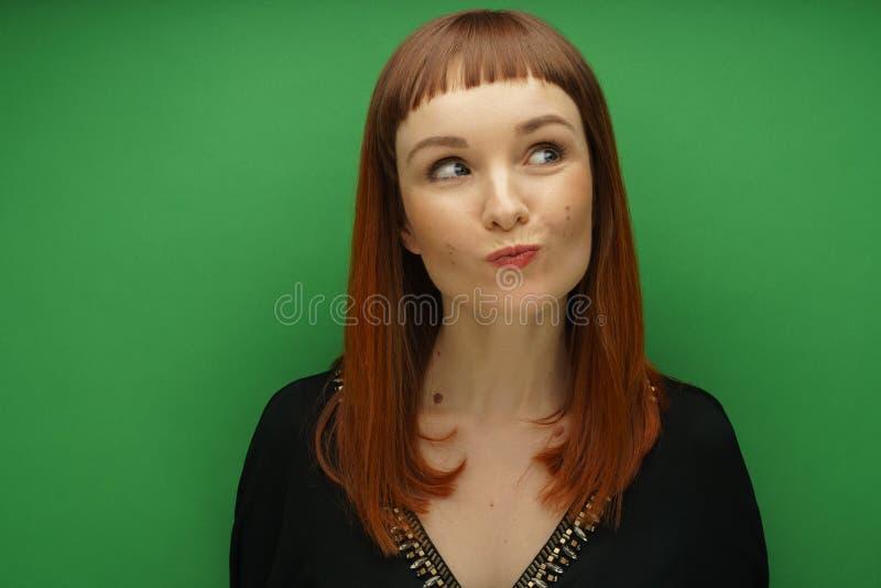 Mädchenstudioporträt lizenzfreies stockbild