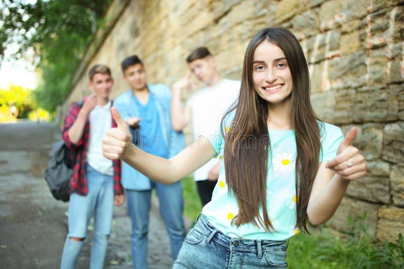 Mädchenvertretungsgleiche lizenzfreie stockfotos