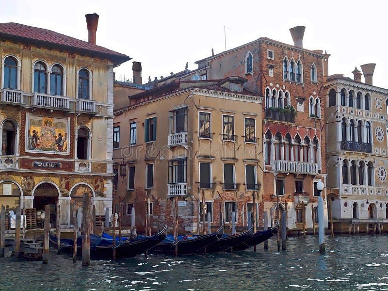 Mäktiga Arsenale i Venedig royaltyfri bild