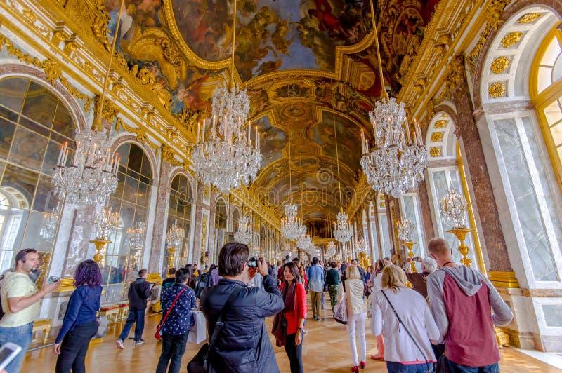 Mäktiga och härliga Hall av speglar royaltyfria bilder