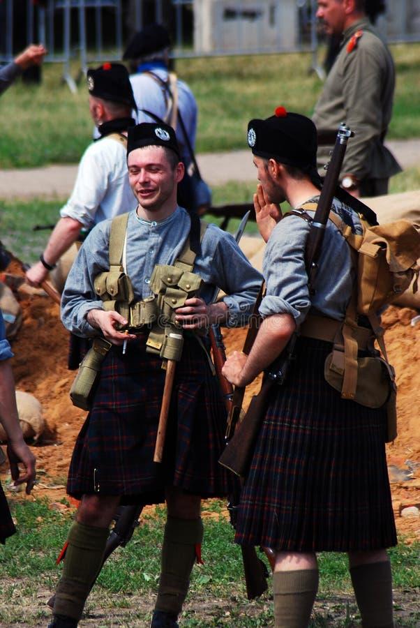 Män i skotska kiltar royaltyfri bild