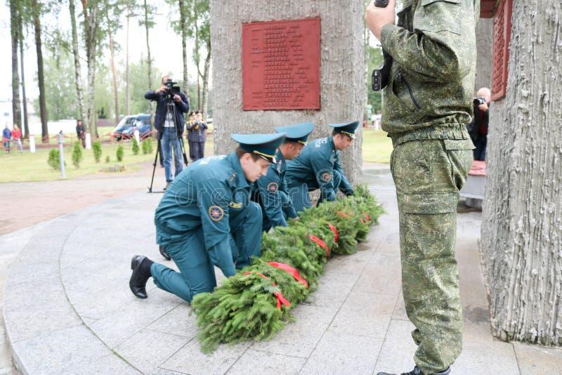 Männer Militär und großväterlicher Veteran des alten Mannes des zweiten Weltkriegs am Medaillentag des Sieges Moskau, Russland, 0 lizenzfreies stockbild