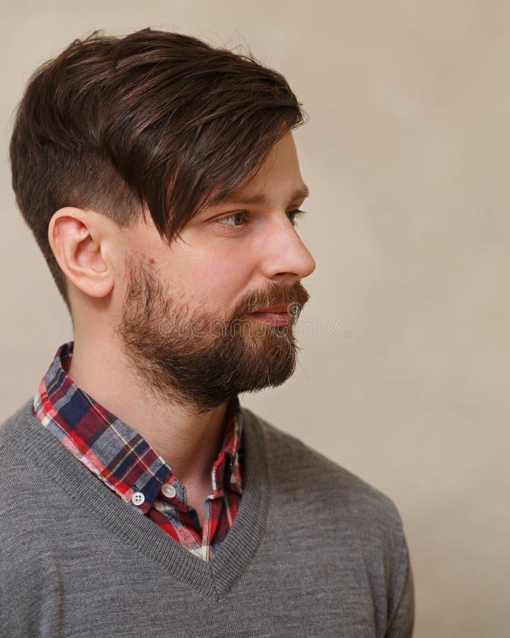 Männliches Modell In Einem Hemd Mit Manschettenknöpfen