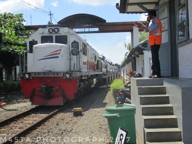 Människa och järnväg royaltyfri fotografi