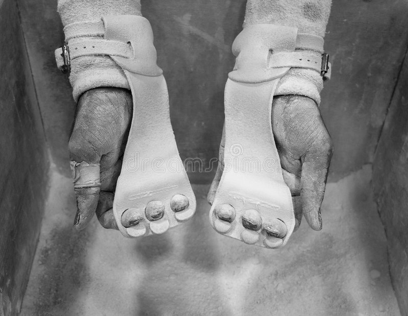 Männliche Gymnast-Hände stockbild