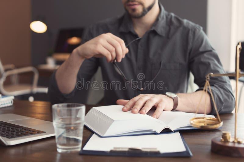 Männliche Rechtsanwaltfunktion lizenzfreie stockbilder