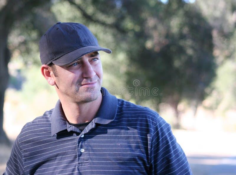 Männlicher Golfspieler lizenzfreie stockbilder