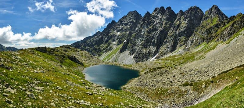 Männlicher Hincovo-pleso See in hohem Tatras stockfotos