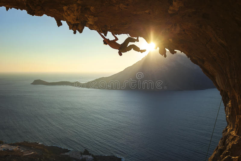Männlicher Kletterer stockbild