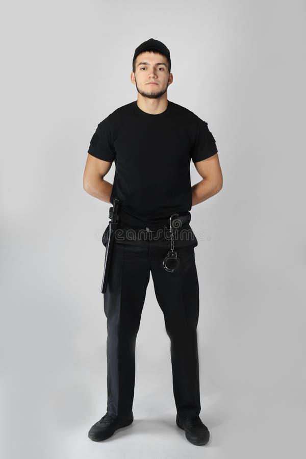 Männlicher Sicherheitsbeamte lizenzfreies stockfoto