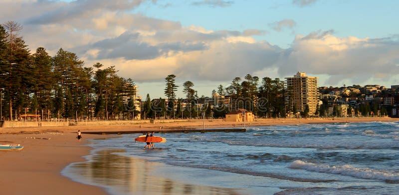 Männlicher Strand Sydney Australien lizenzfreie stockfotografie
