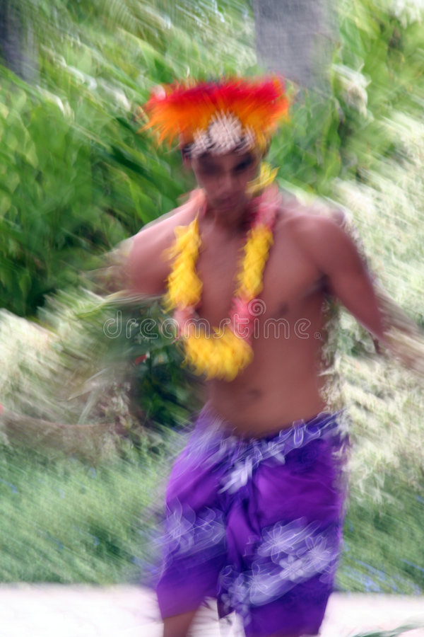 Männlicher tahitian Tänzer lizenzfreie stockfotografie