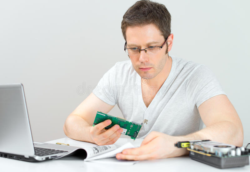 Männlicher Techniker stockfotos