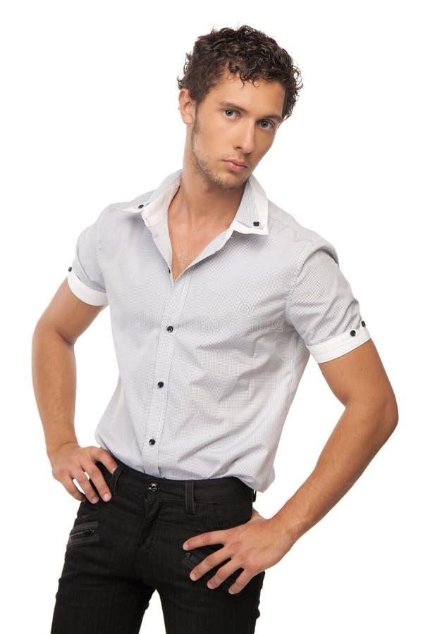 Männliches Baumuster im Hemd über Weiß lizenzfreie stockfotografie