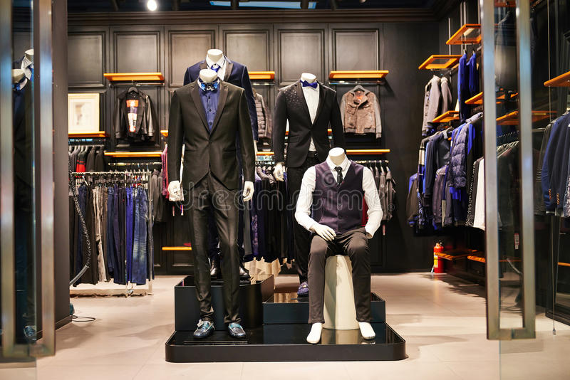 Mäns mode shoppar royaltyfria foton