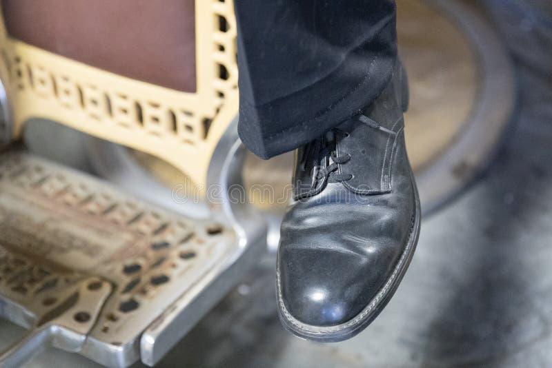 Mäns skor för tappningläder royaltyfri foto