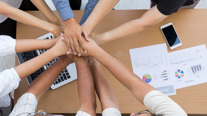 Mänskliga händer var ett samarbete arkivfoto