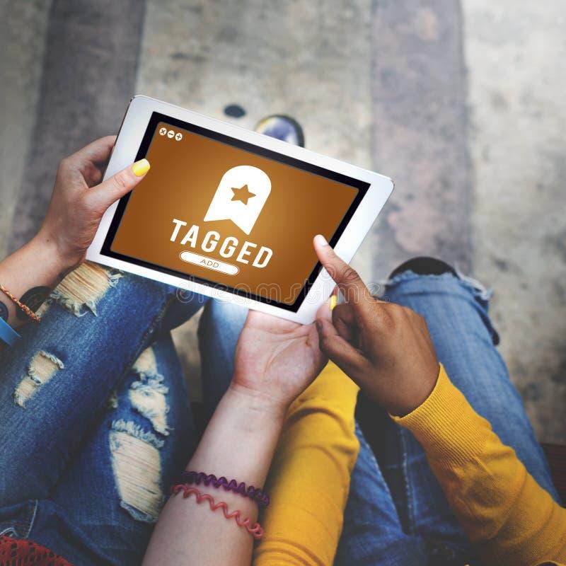 Märkt begrepp för ledning för bokmärkeinnehållsrengöringsduk online- royaltyfria foton