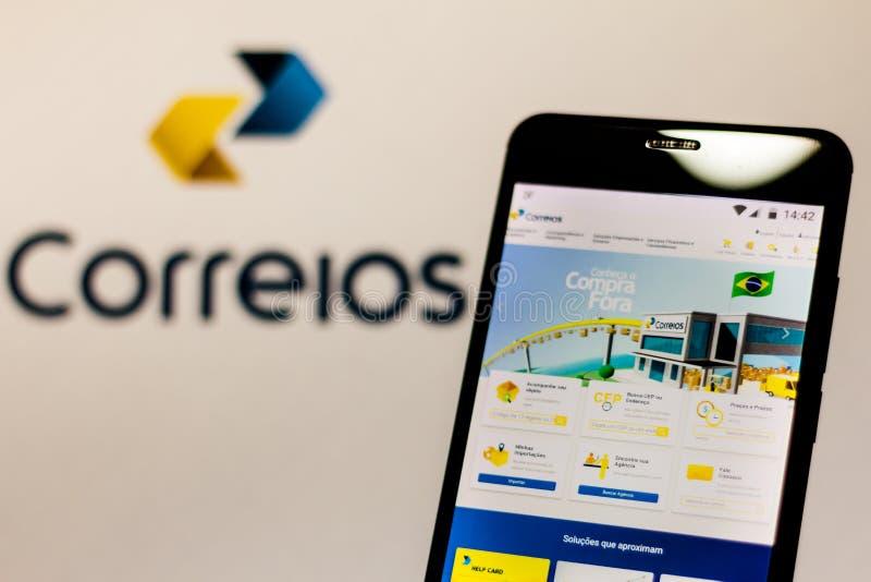 10. März 2019 Brasilien Homepage 'Brazilian Company der Posten und der Fernschreiber 'auf dem Schirm des tragbaren Geräts lizenzfreie stockfotos