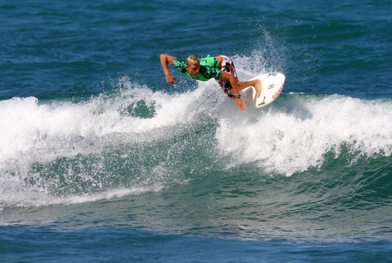mästare som luftar den mick surfarevärlden royaltyfri bild