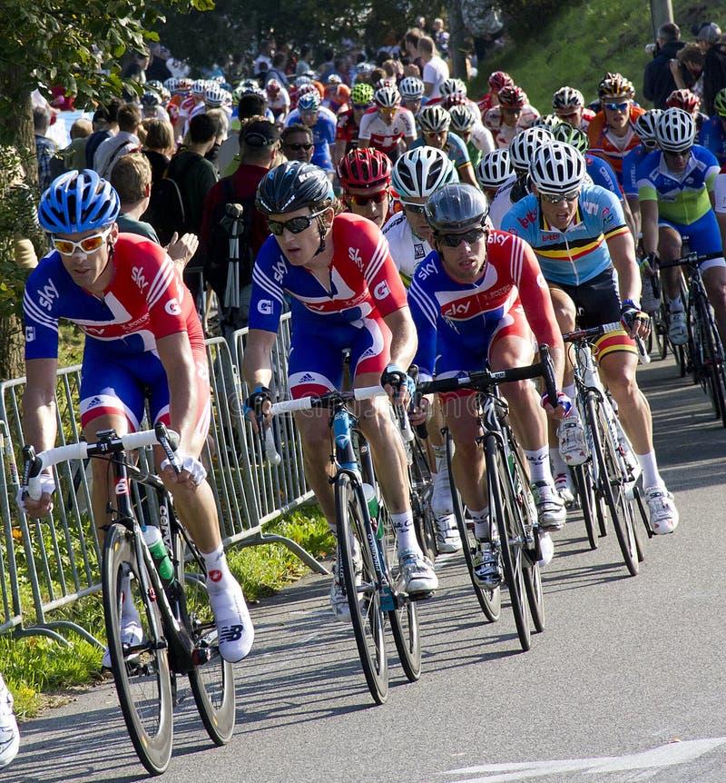 mästerskapelitmän race vägucivärlden arkivfoton