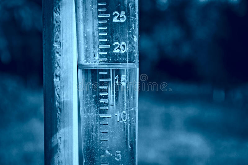 mätande nederbörd för gauge royaltyfria foton