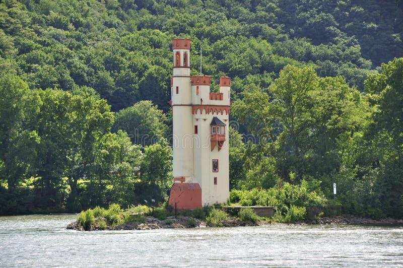 Mäusekontrollturm nahe Bingen morgens Rhein stockfotos