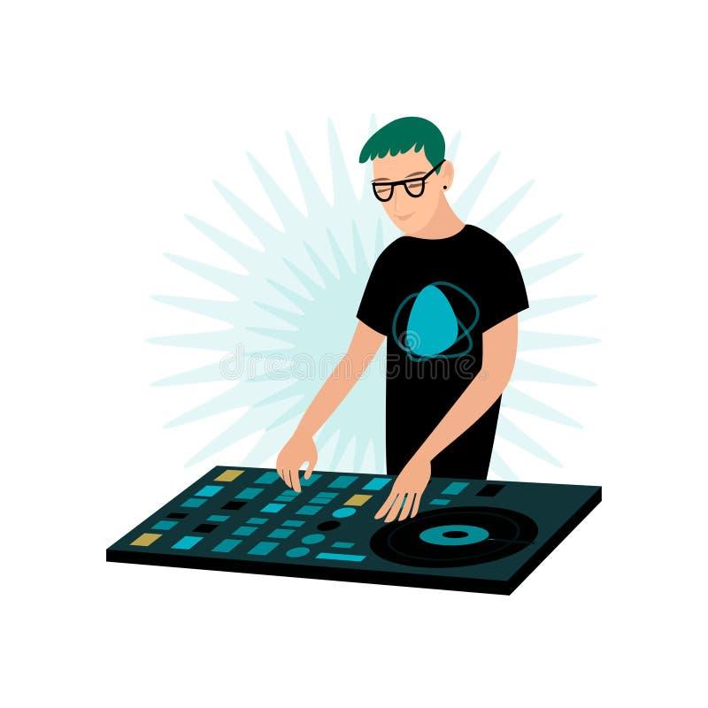 Młody uśmiechnięty męski modniś DJ w szkłach bawić się muzykę przy konsolą z winylowym rejestrem ilustracja wektor