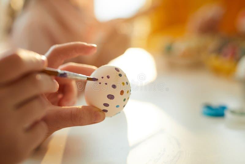 Måla ägg för påskCloseup royaltyfri foto