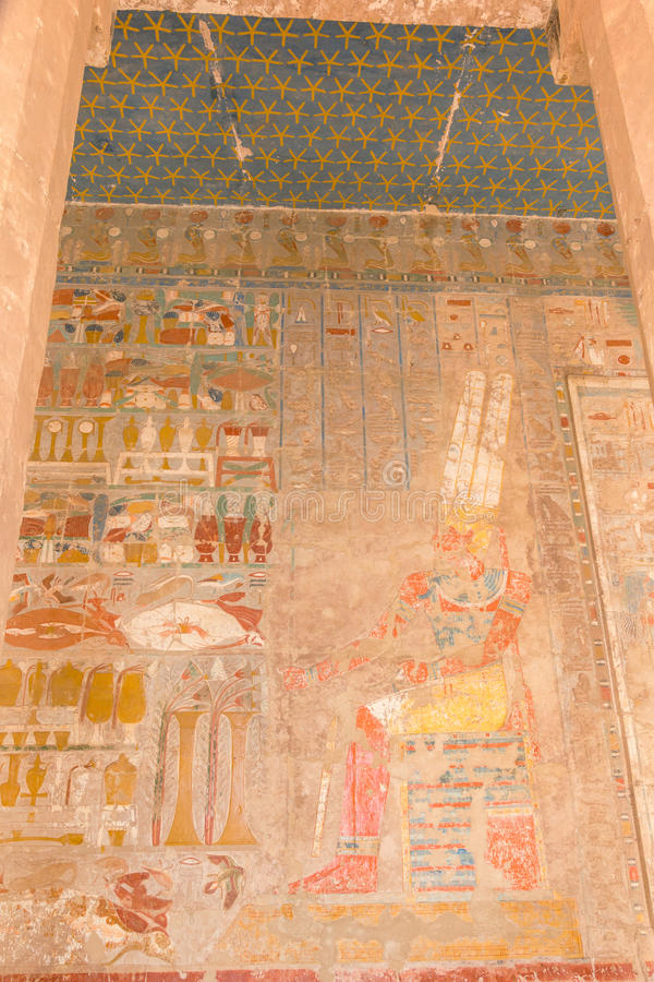 Måla på bårhustemplet av Hatshepsut royaltyfri bild
