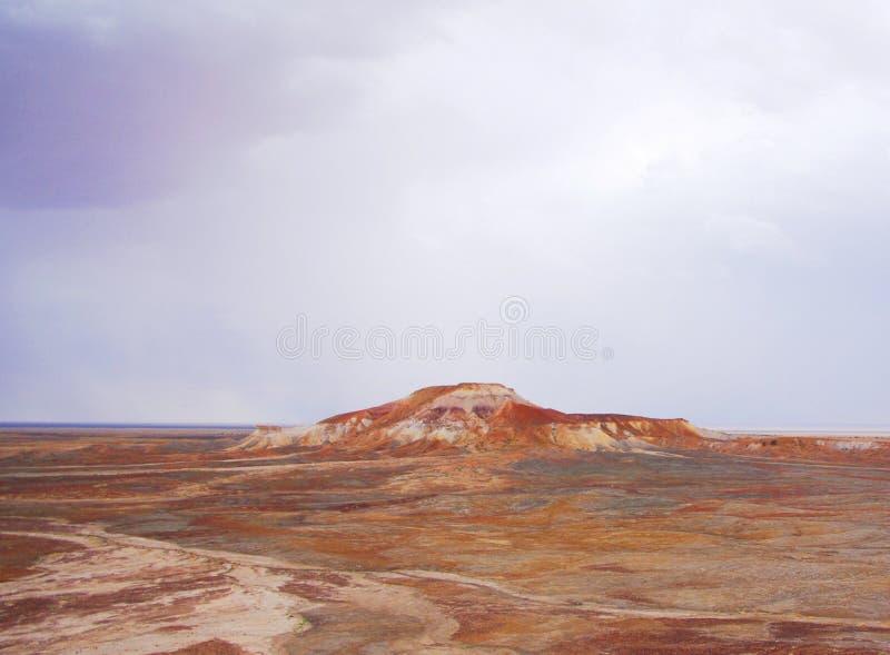 Målad öken under en storm arkivfoton