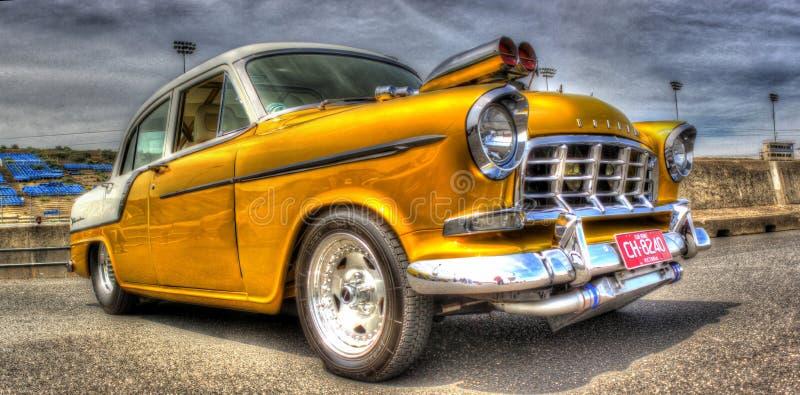 målad Holden för 50-tal australisk guld varm stång arkivbild