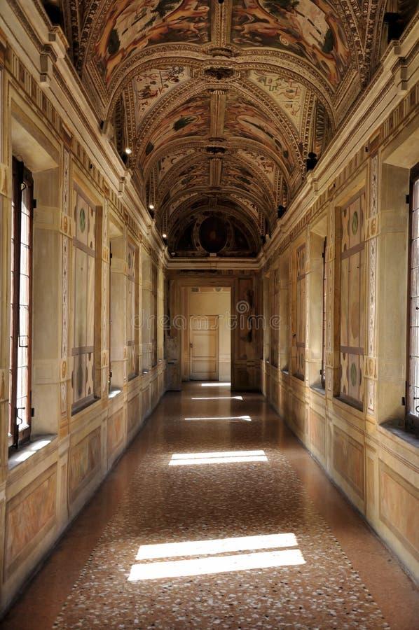 Målad korridor för Mantoa ducale slott royaltyfri foto