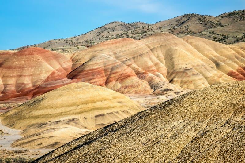 Målad kulleenhet av den John Day Fossil Beds National monumentet fotografering för bildbyråer