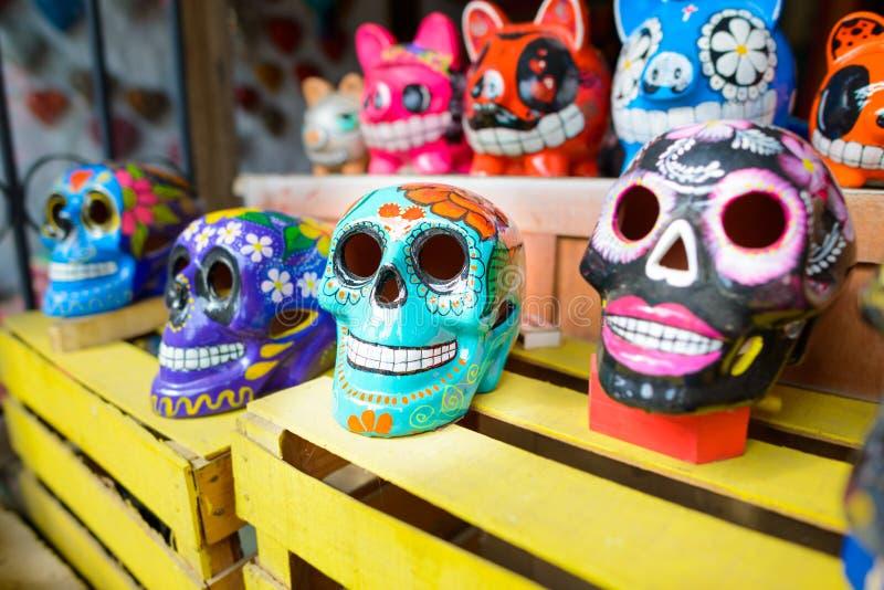 Målade skallar på dagen av dödaen, Mexiko arkivfoton