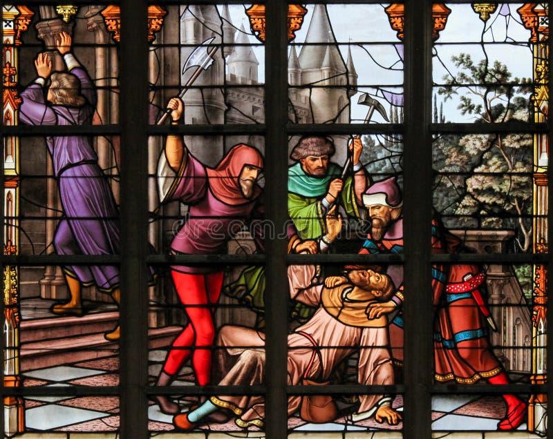 Målat glass - antisemitisk målat glass i den Bryssel domkyrkan arkivfoton