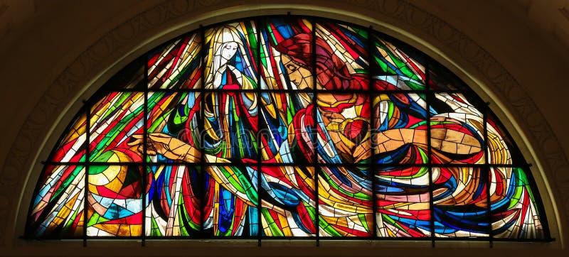 Målat glass - obefläckad hjärta av Mary i Fatima arkivfoton
