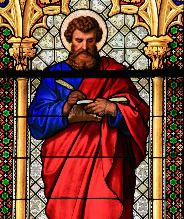 Målat glass - St Mark evangelisten arkivfoto