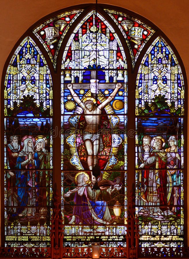 Målat glassfönster av Sts Paul episkopalkyrkan arkivbilder