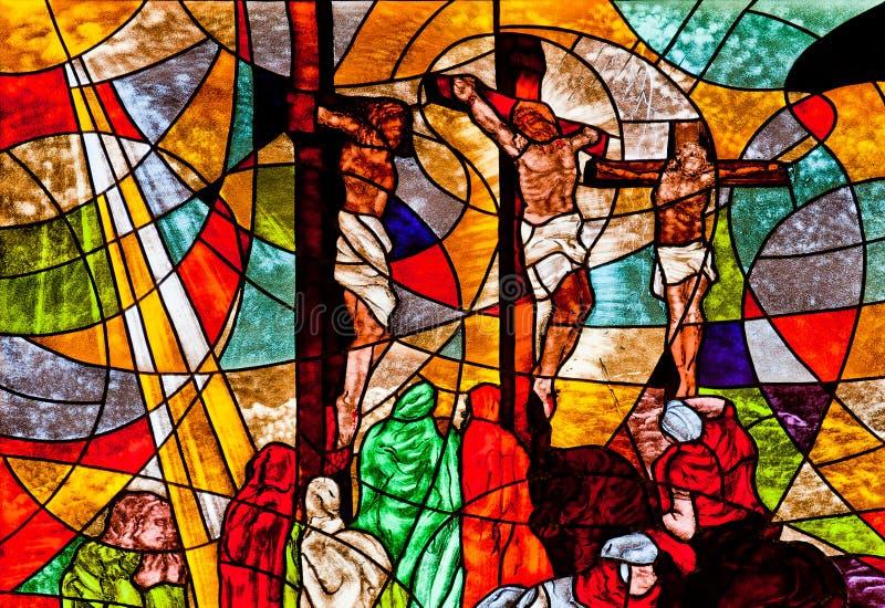 Målat glassvisningJesus crucifixion royaltyfri fotografi