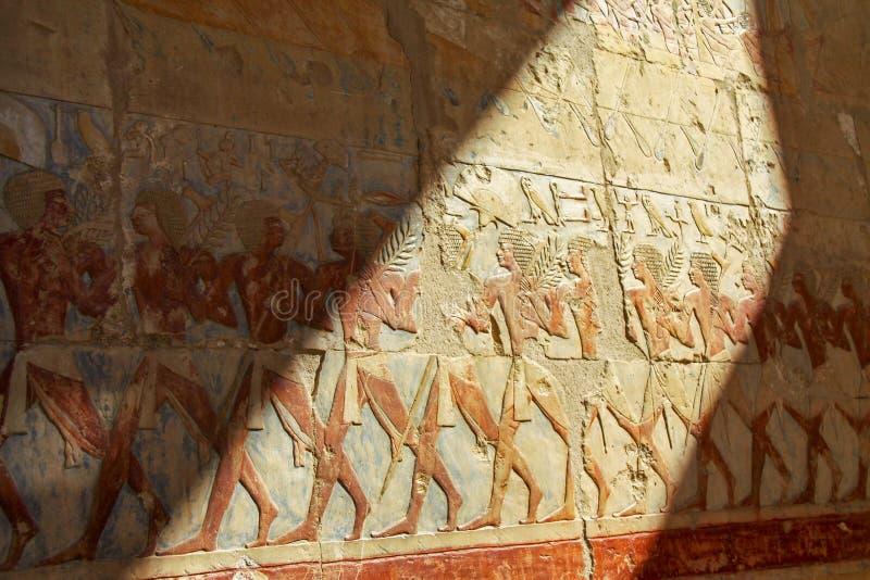 Målningar för gravvalv för drottning Hatshepsut vägg- royaltyfri bild