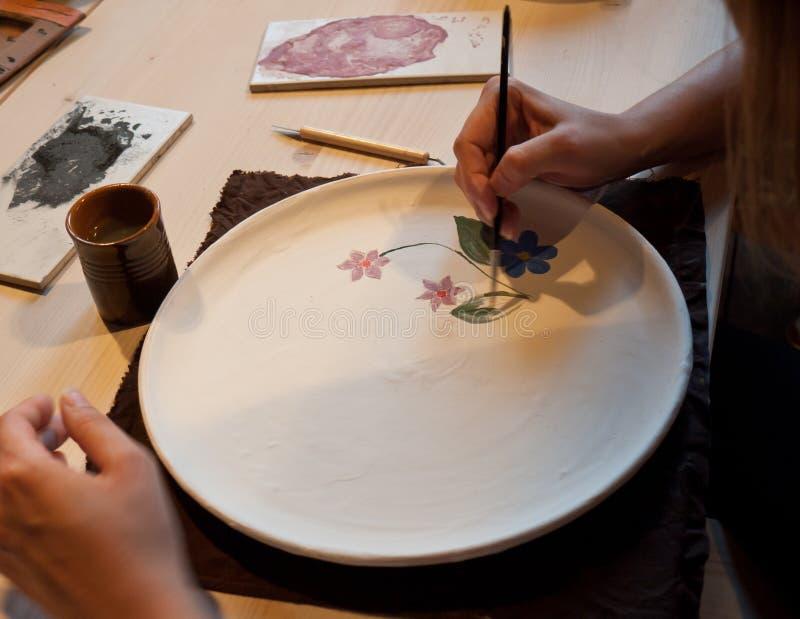 målningskrukmakeri arkivbilder
