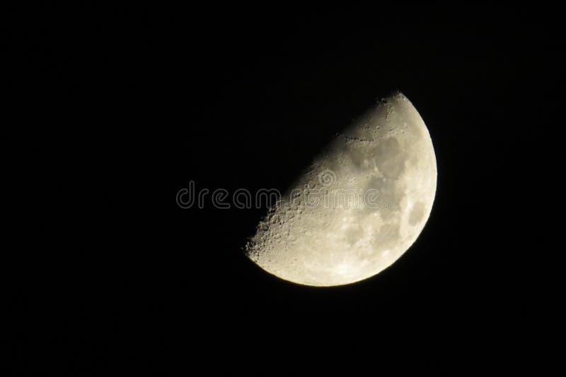 Måne i Tyskland 31 10 2014 arkivfoto