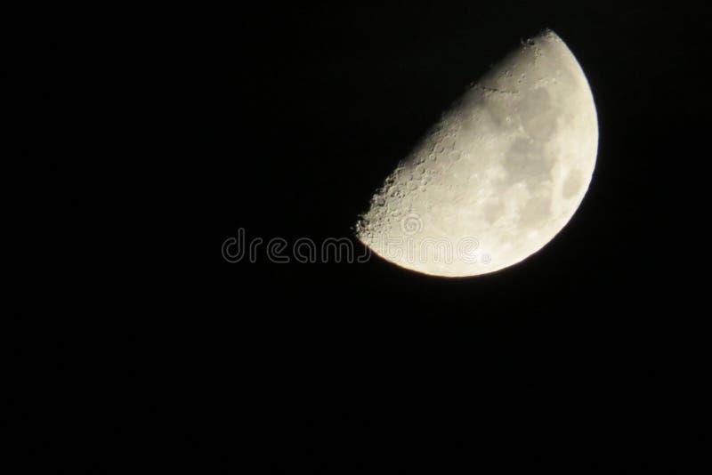 Måne i Tyskland 31 10 2014 arkivbild