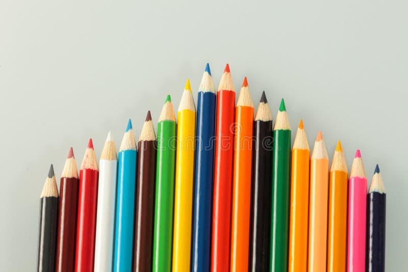 Mång- - kulör färgpenna arkivfoto
