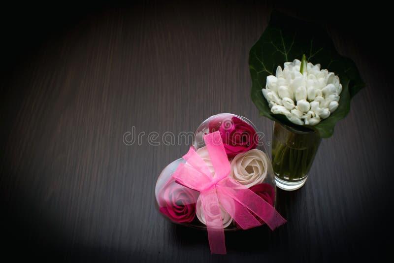 Många bilder av blommor collage Selektivt fokusera royaltyfria bilder