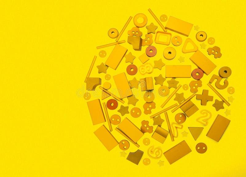 Många gul leksaker royaltyfri bild
