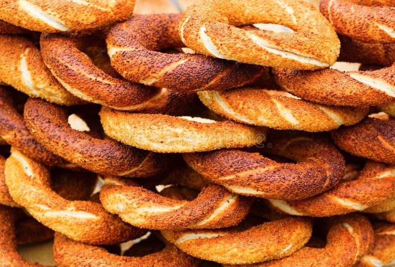 Många nya turkiska baglar arkivbild