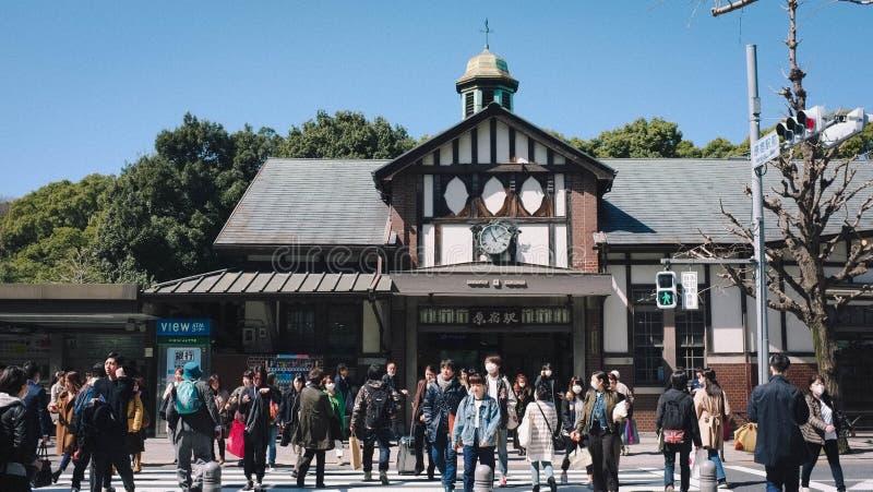 Många personer går till någonstans Harajuku Japan arkivbilder